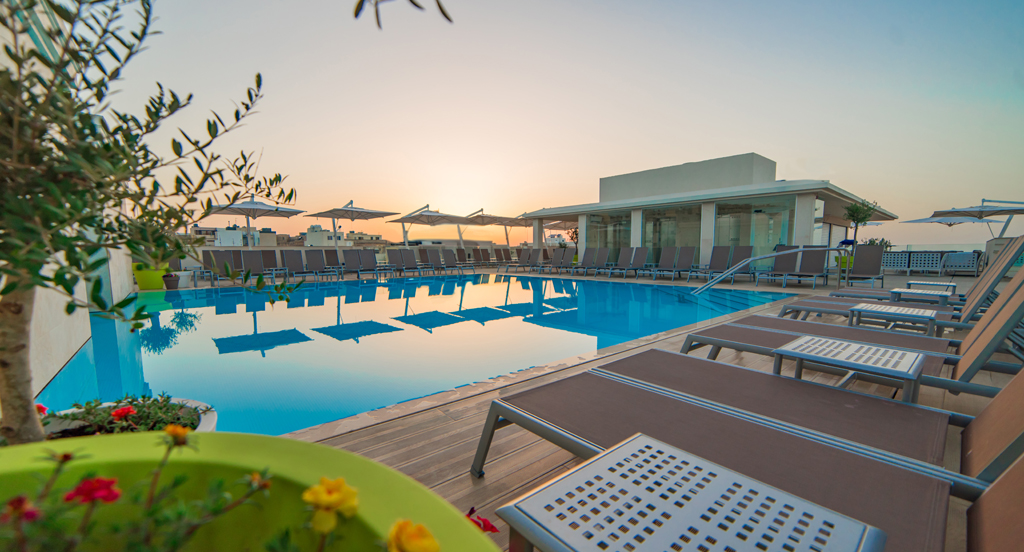 sunset-rooftop-pool-2